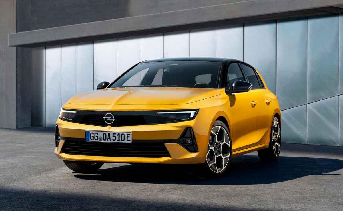 Opel-Astra-de-frente