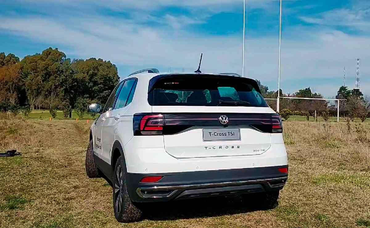 Volkswagen-T-Cross-cola