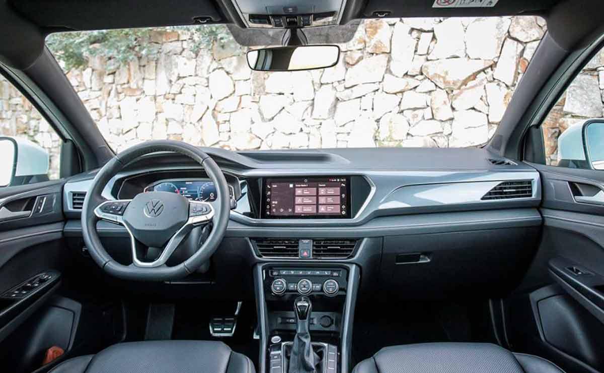 Volkswagen-Taos-interior