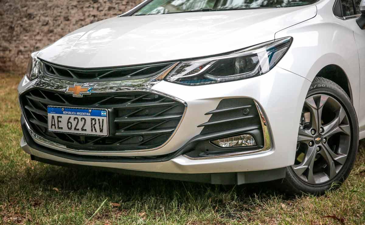 Chevrolet-Cruze-trompa