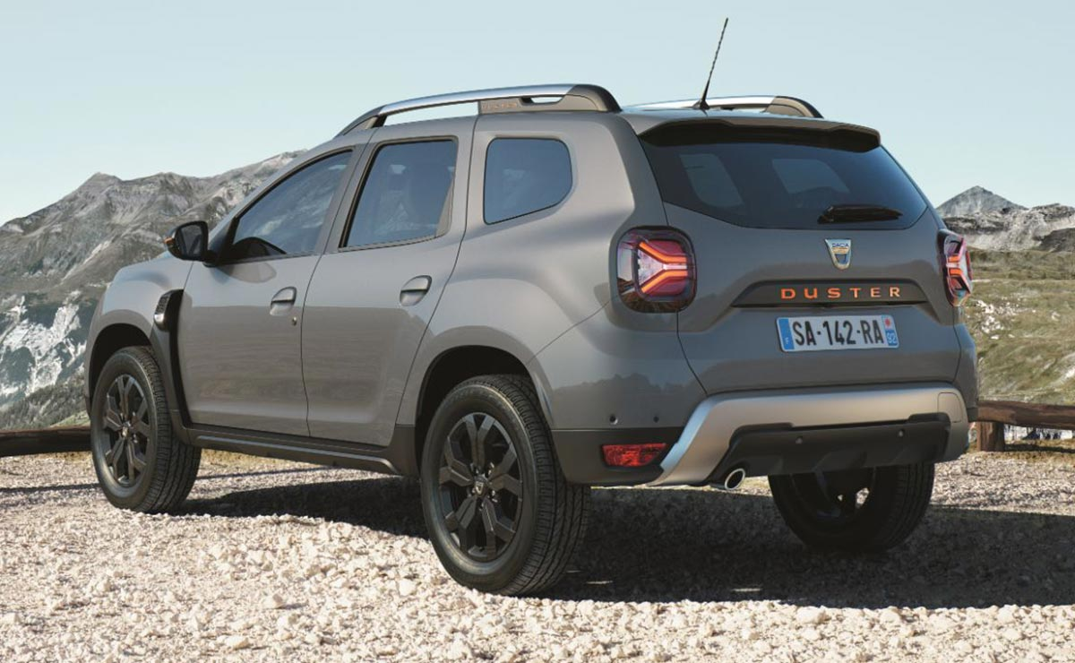 DUSTER EXTREME 2021 TRASERA