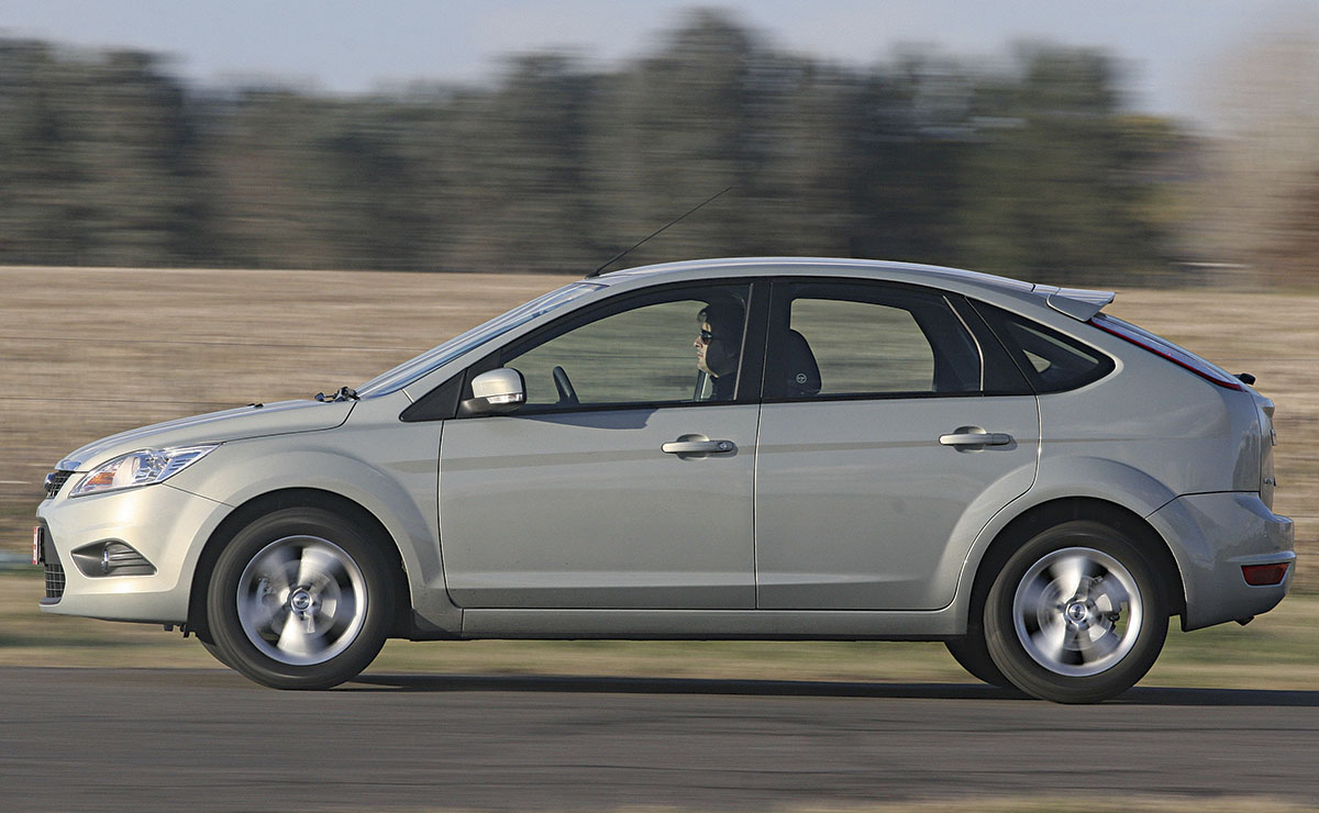 FORD FOCUS PANNING