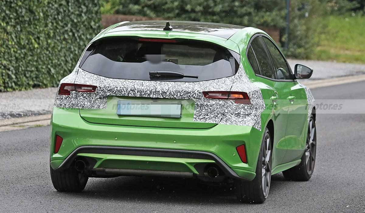 FORD FOCUS ST 2022 COLA