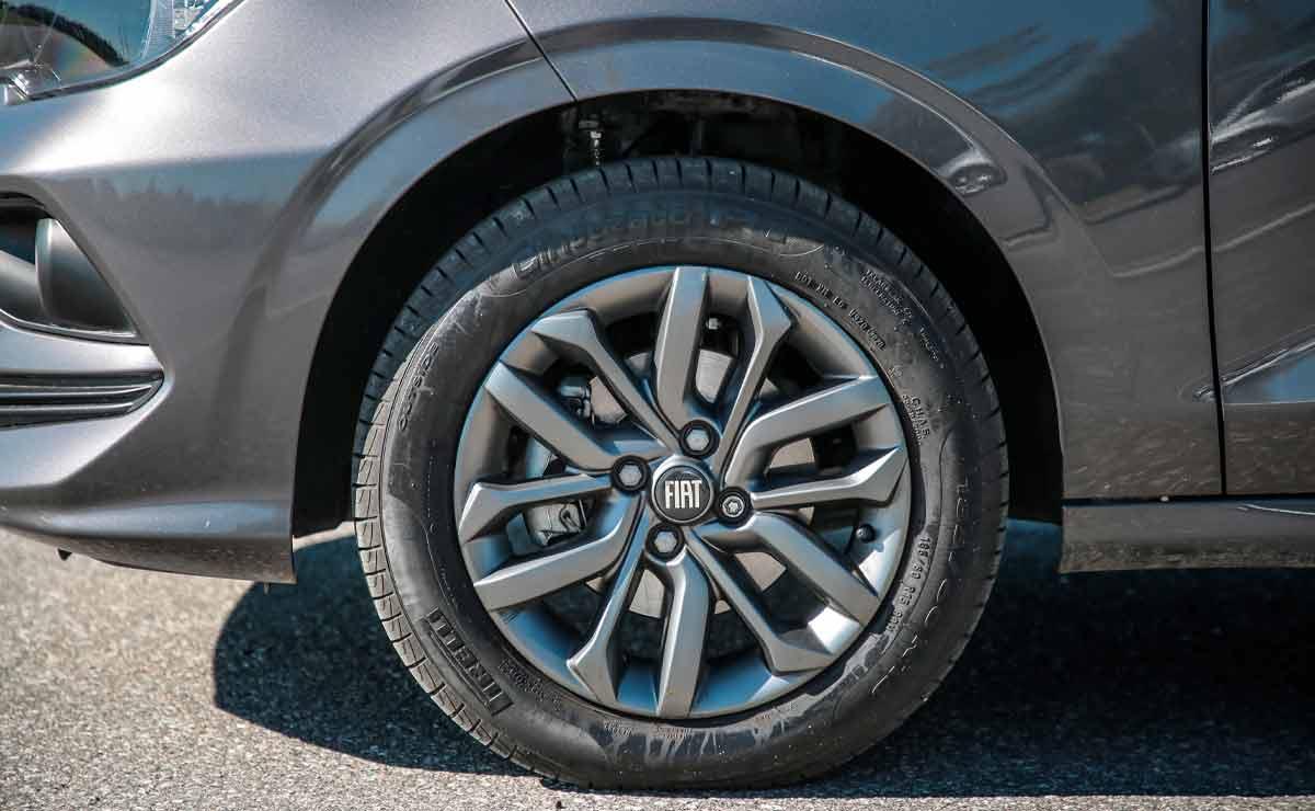 Fiat-Cronos-llanta