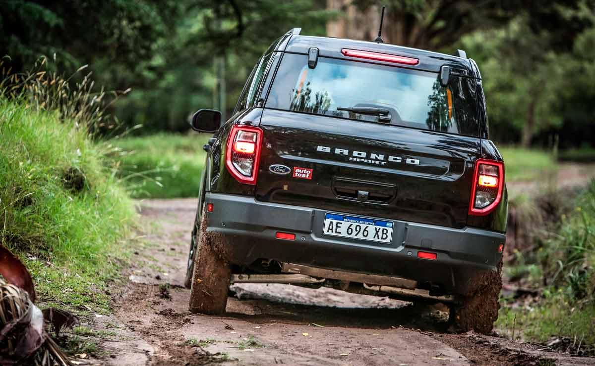 Ford-Bronco-Sport-cola