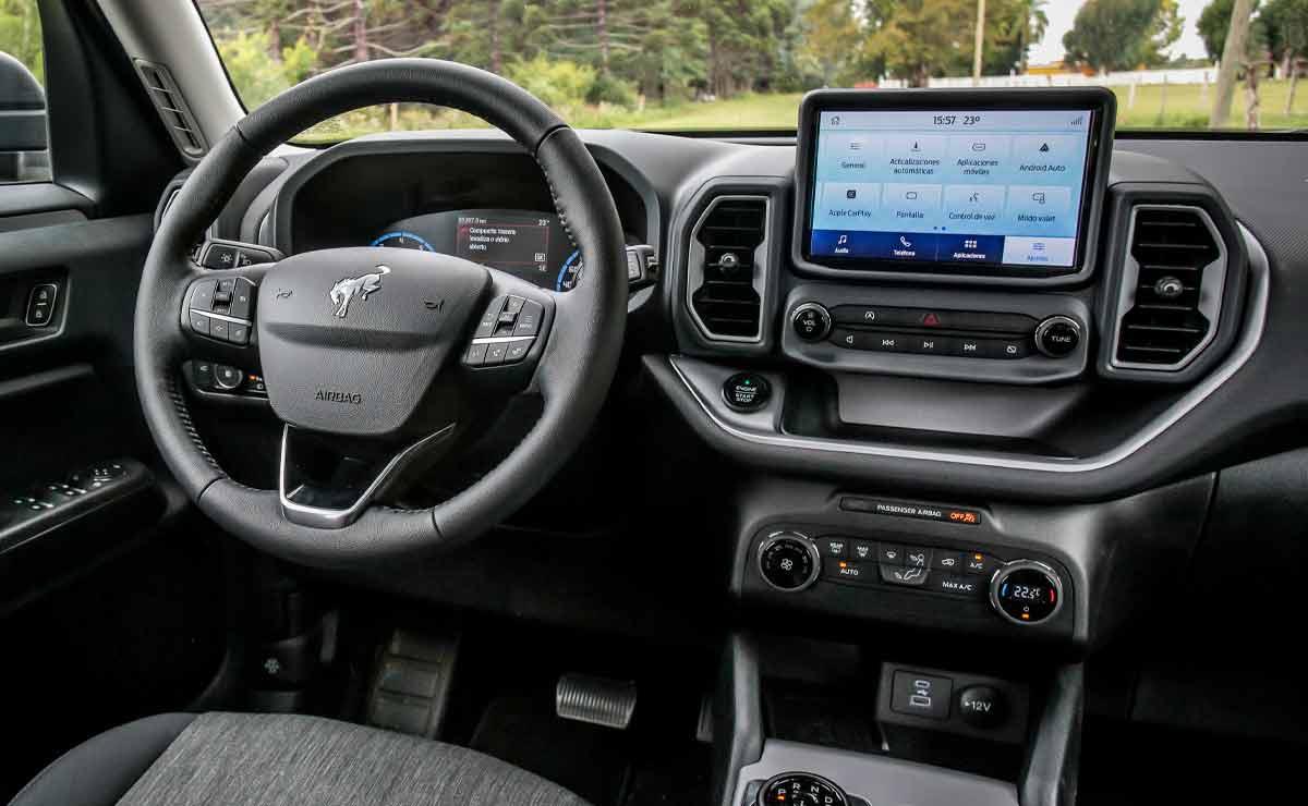 Ford-Bronco-Sport-volante