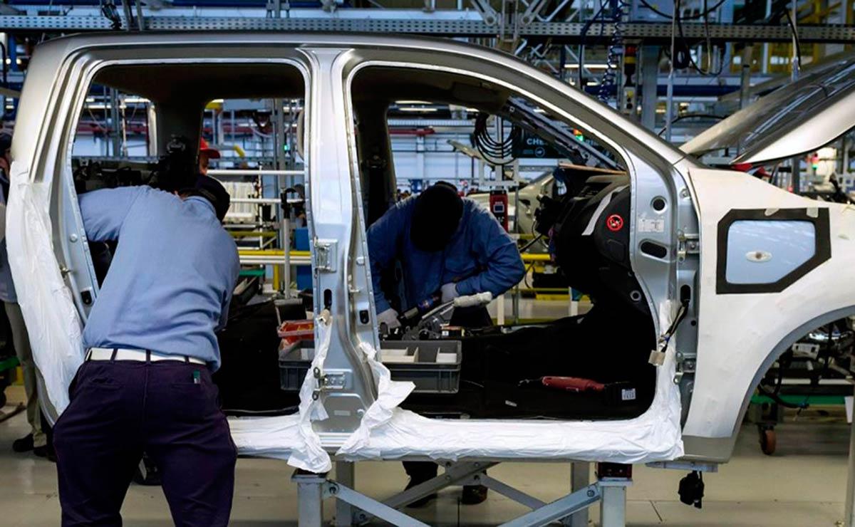 INDUSTRIA AUTOMOTRIZ AUTOS 1