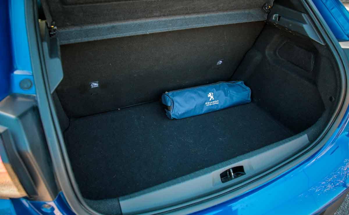 Peugeot-208-baul