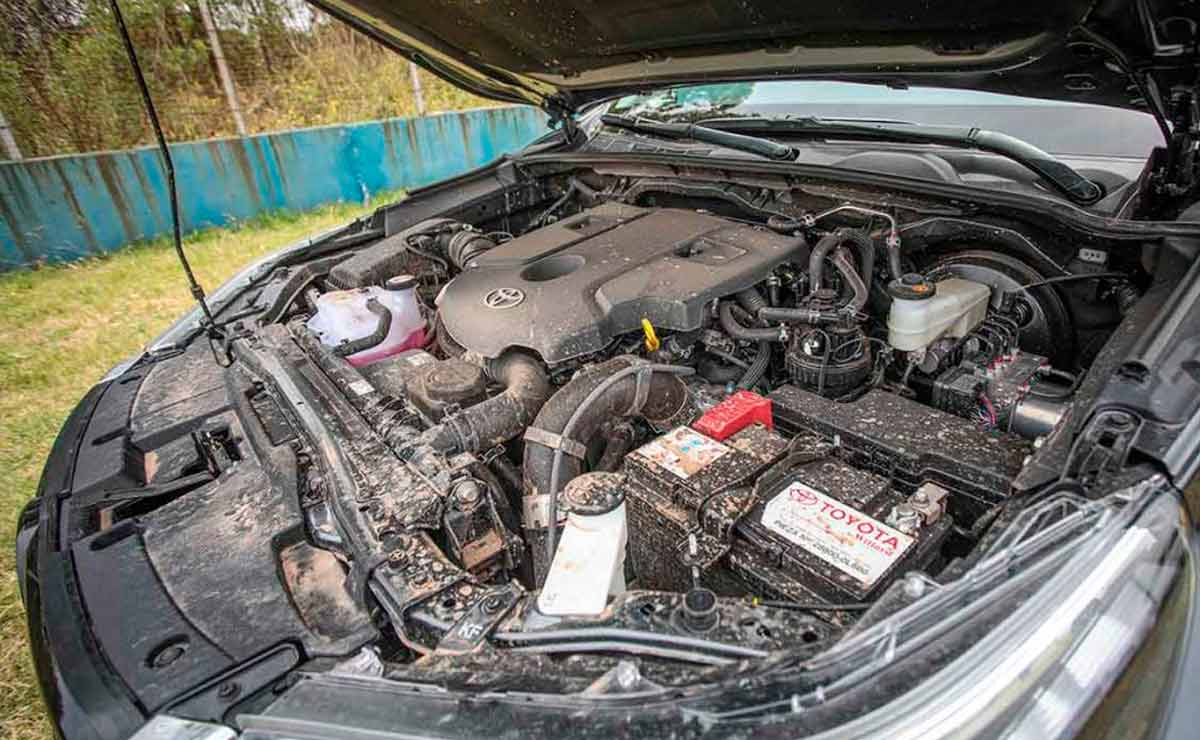 Toyota-Hilux-motor