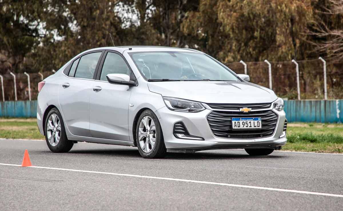 Chevrolet-Onix-Plus-trompa-5