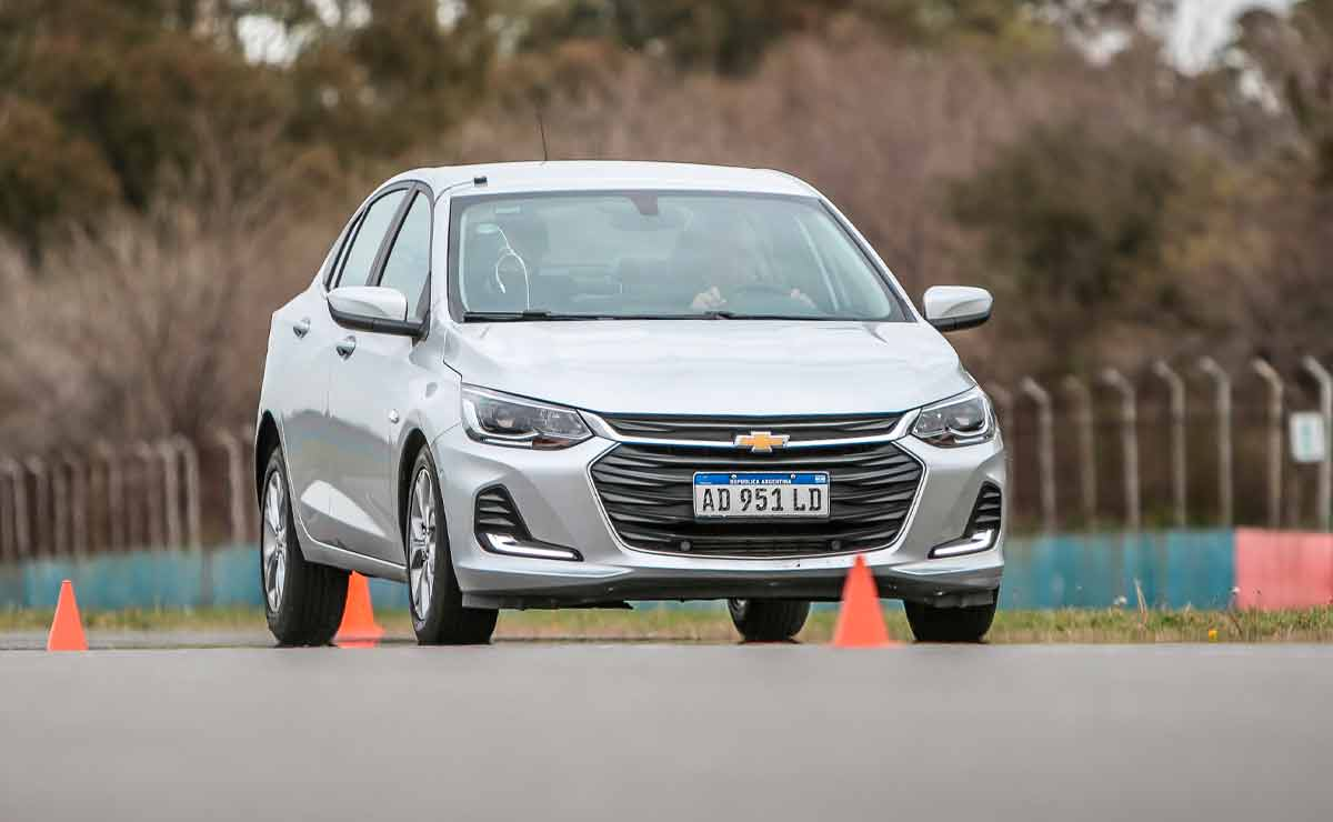 Chevrolet-Onix-Plus-trompa-6