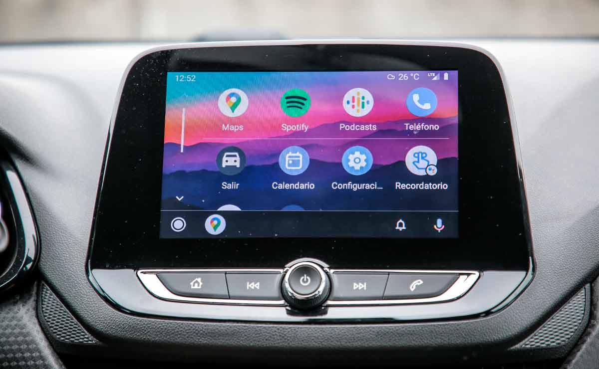 Chevrolet-Onix-RS-multimedia