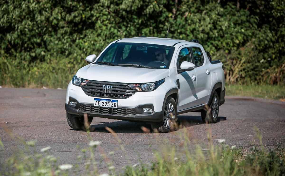 Fiat-Strada-freedom-doblando