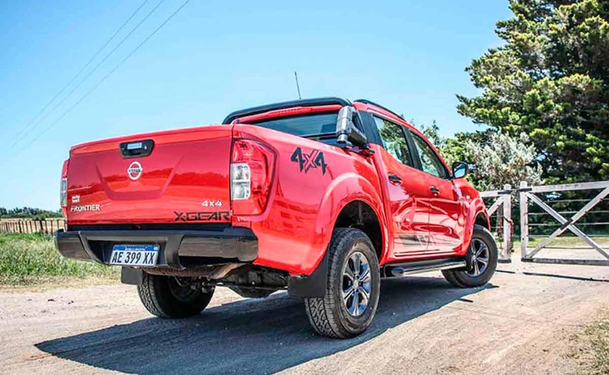 Nissan-Frontier-XGear-cola