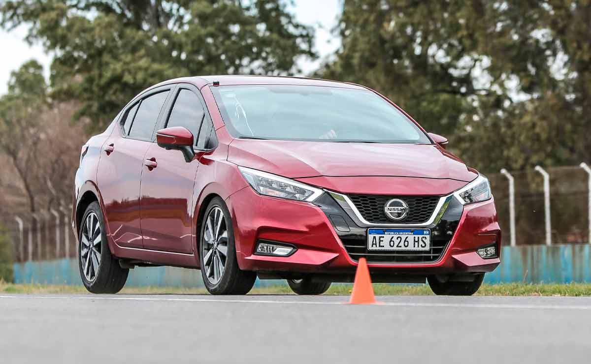 Nissan-Versa-trompa