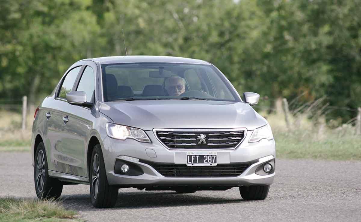 Peugeot-301-frente