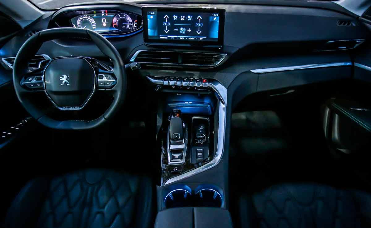 Peugeot-5008-interior-5