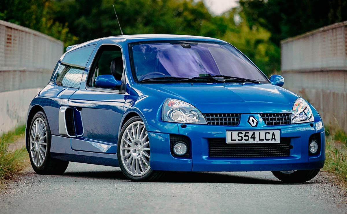 RENAULT CLIO V6 FRENTE