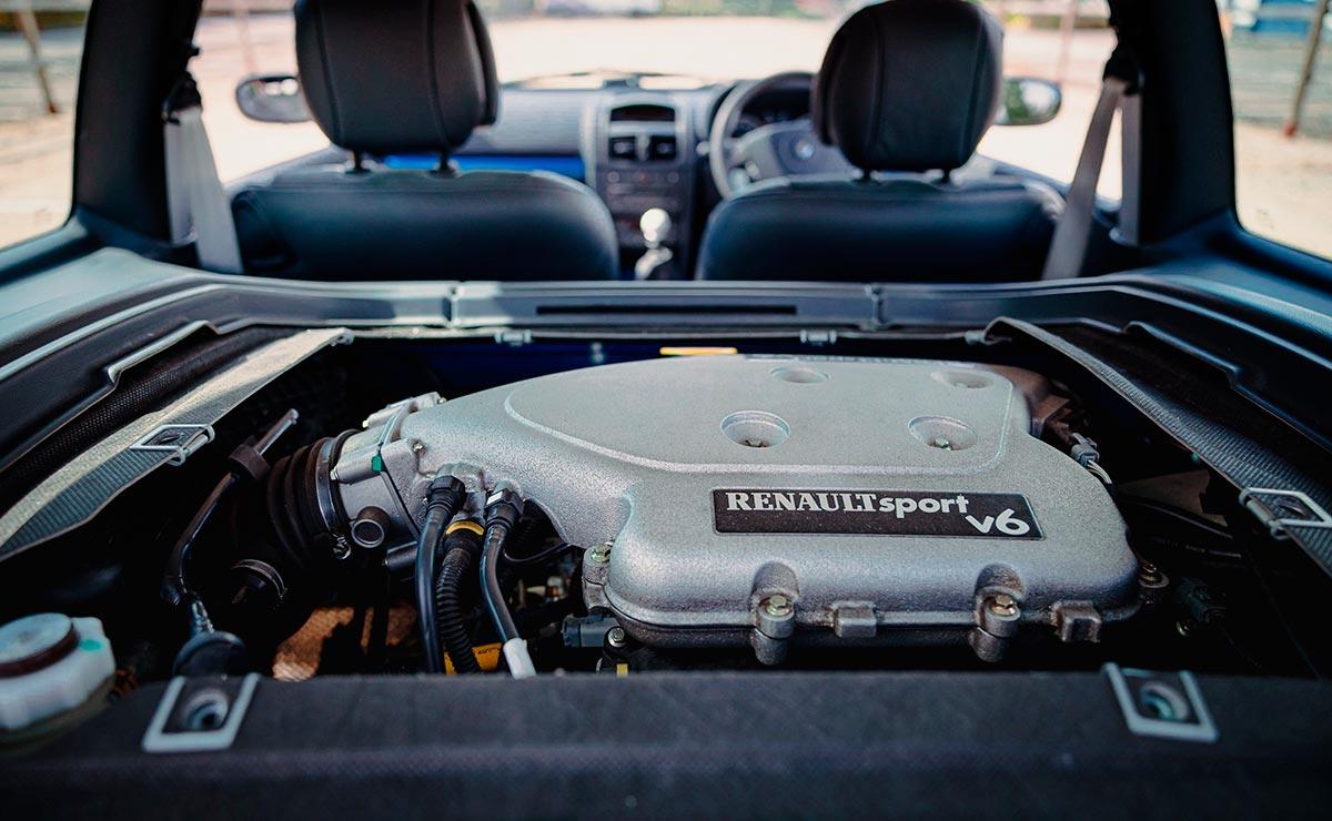 RENAULT CLIO V6 MOTOR