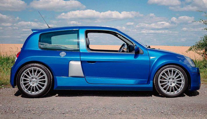 RENAULT CLIO V6 PERFIL