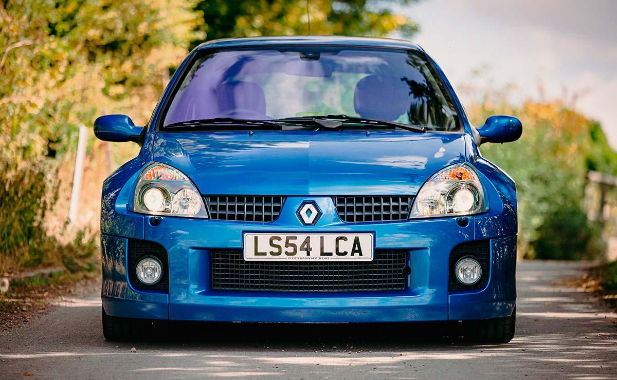 RENAULT CLIO V6 TROMPA