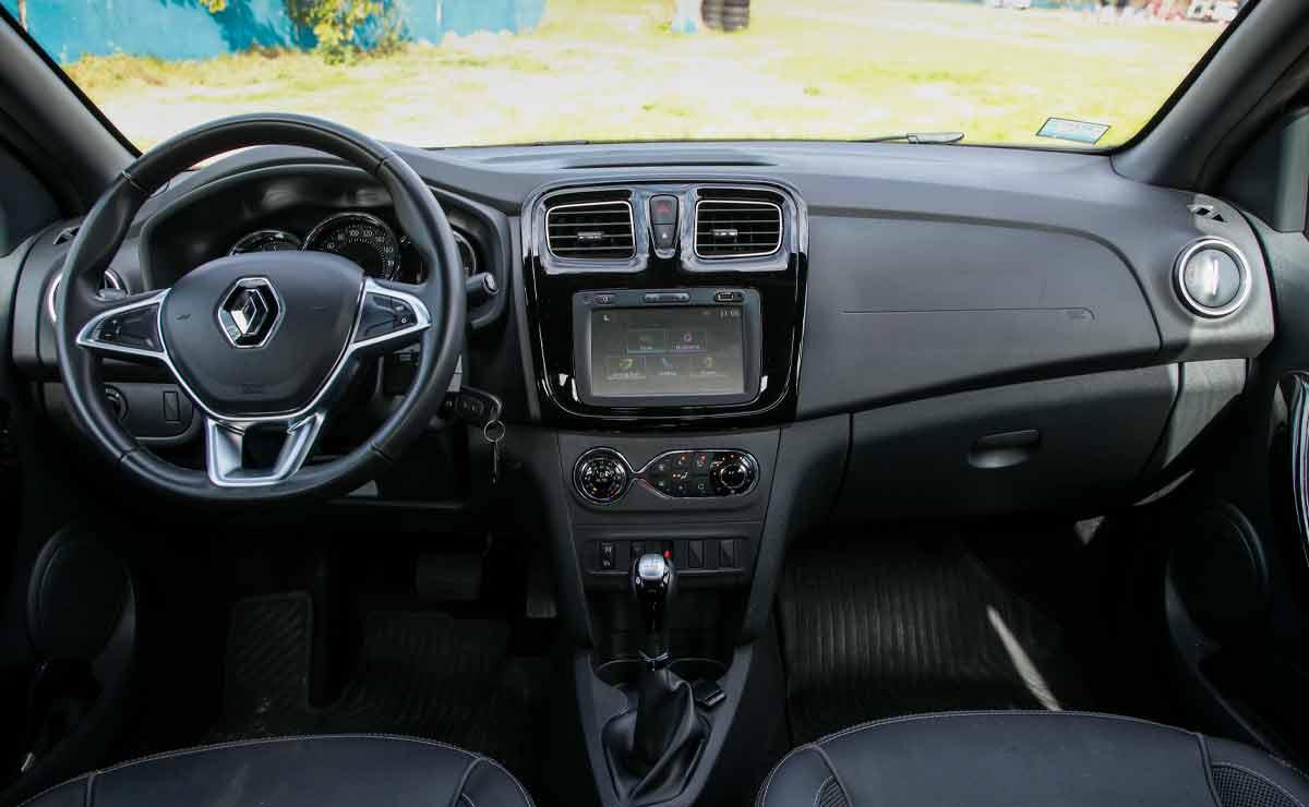 Renault-Logan-interior