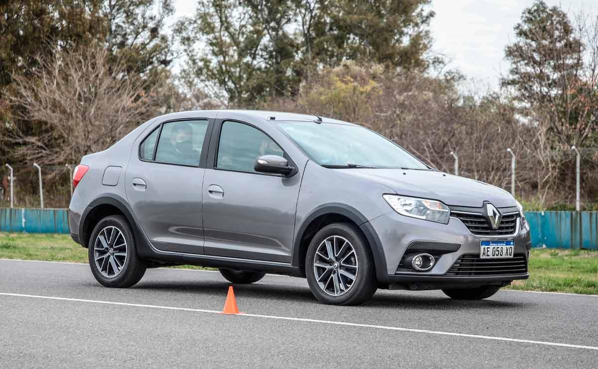 Renault-Logan-lateral