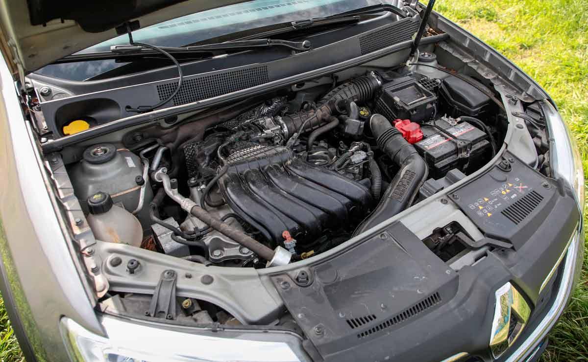 Renault-Logan-motor