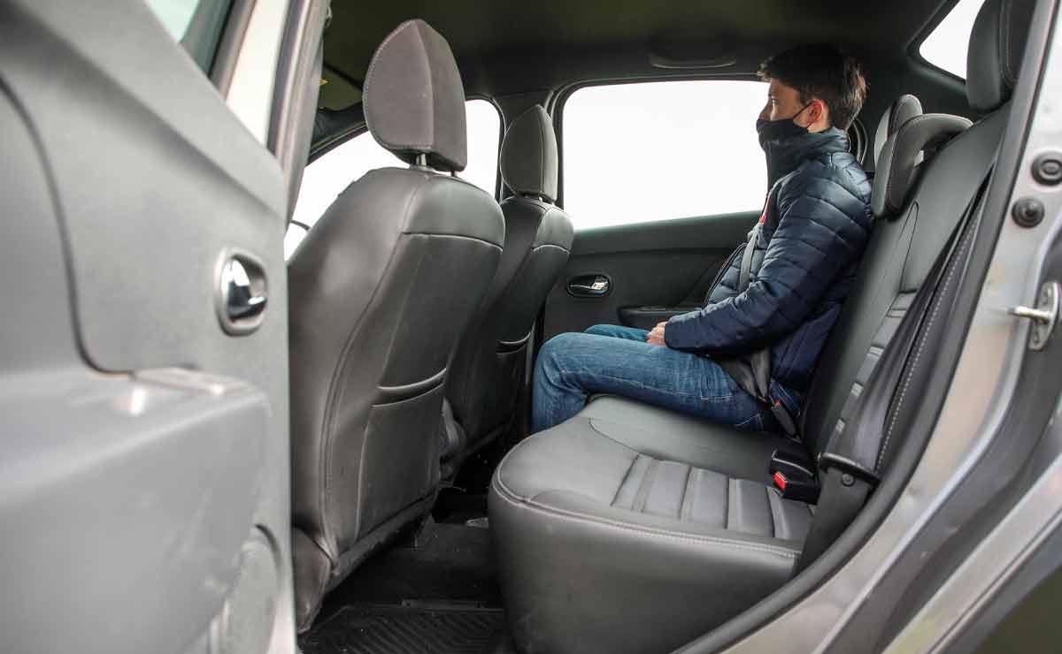Renault-Logan-plazas-traseras