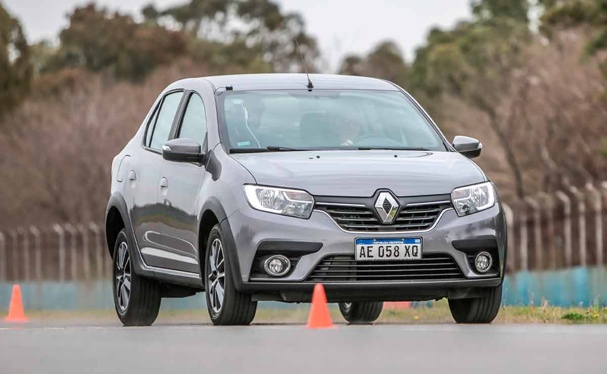 Renault-Logan-trompa-4