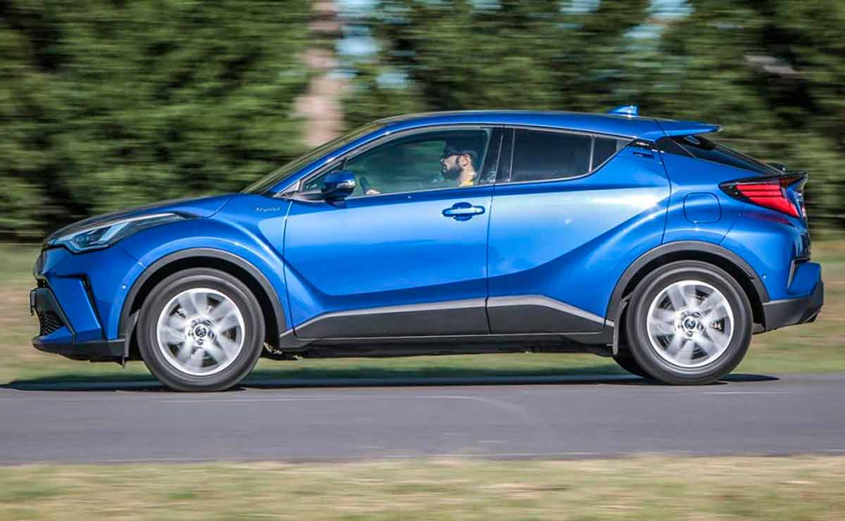 Toyota-C-HR-lateral