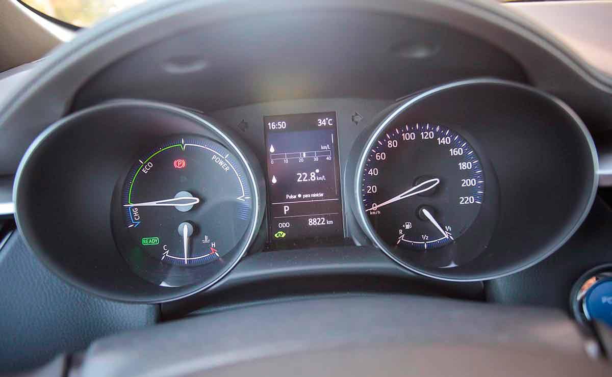 Toyota-C-HR-tablero