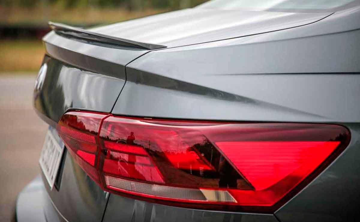 Volkswagen-Virtus-GTS-faro