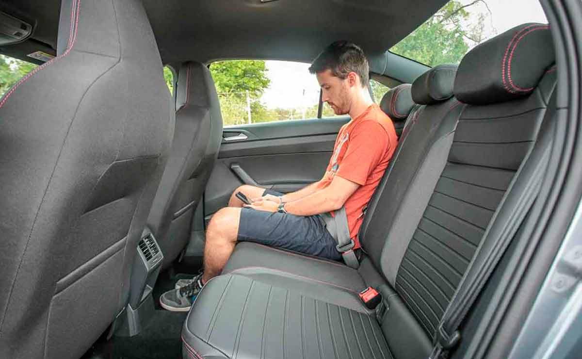 Volkswagen-Virtus-GTS-plazas-traseras