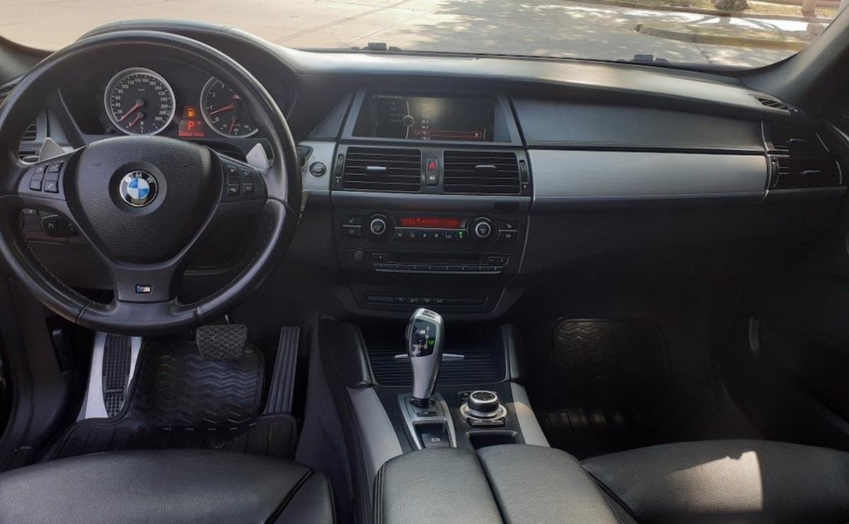 BMW X6 MESSI INTERIOR