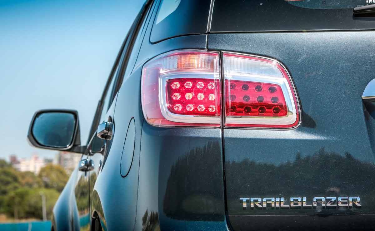 Chevrolet-Trailblazer-faro