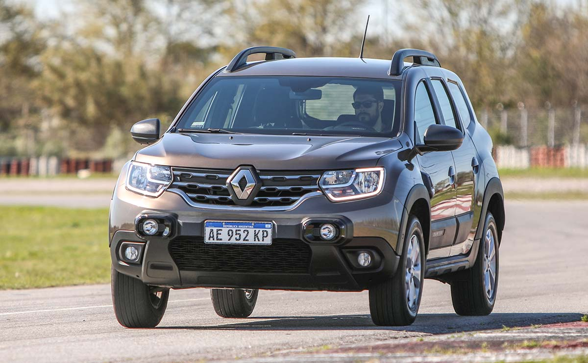 RENAULT DUSTER OUTSIDER ACCION 1