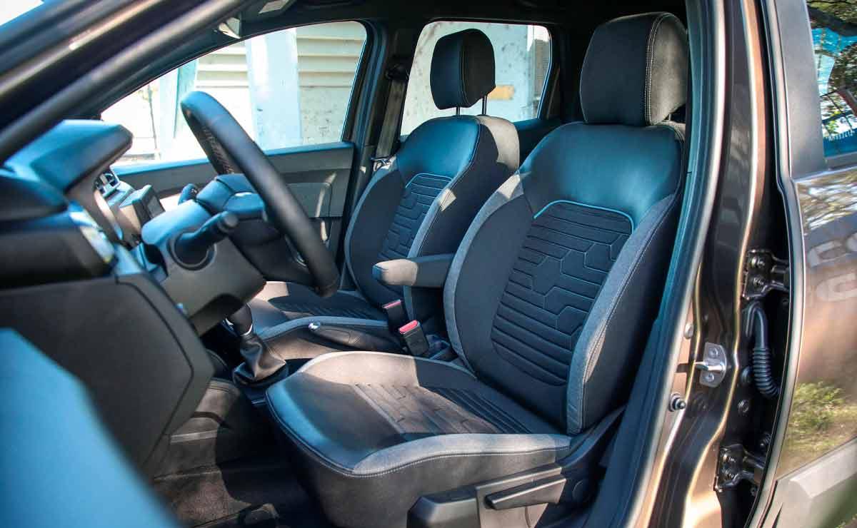 Renault-DUster-Outsider-interior